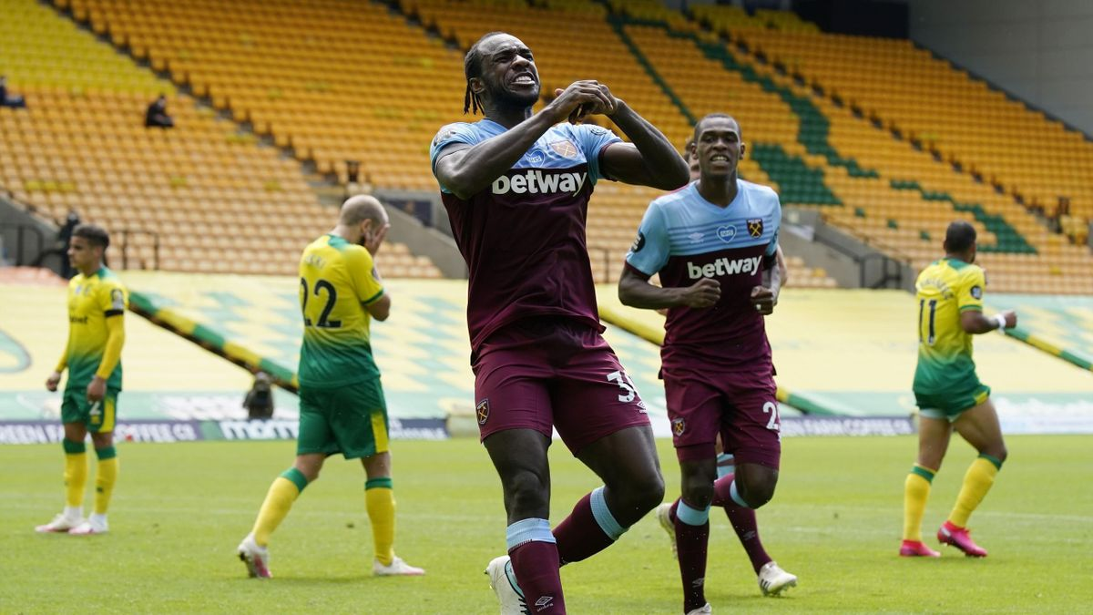 Antonio celebrates