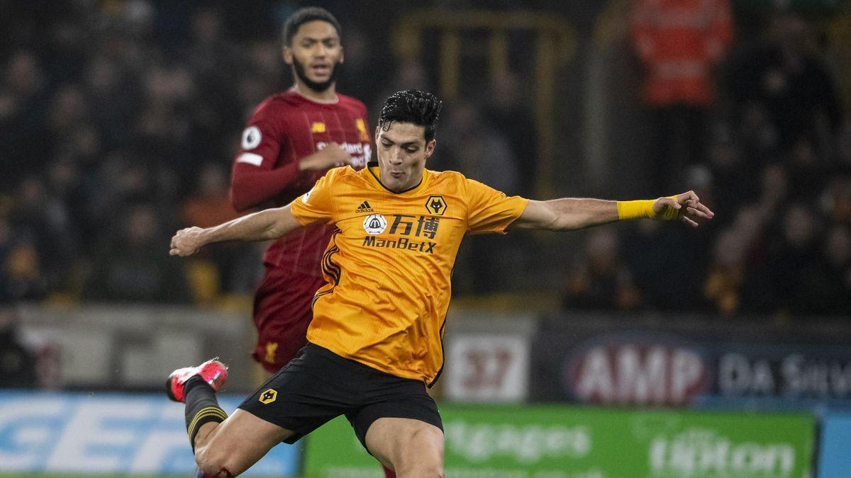 Raul Jimenez în partida Wolverhampton-Liverpool / Premier League