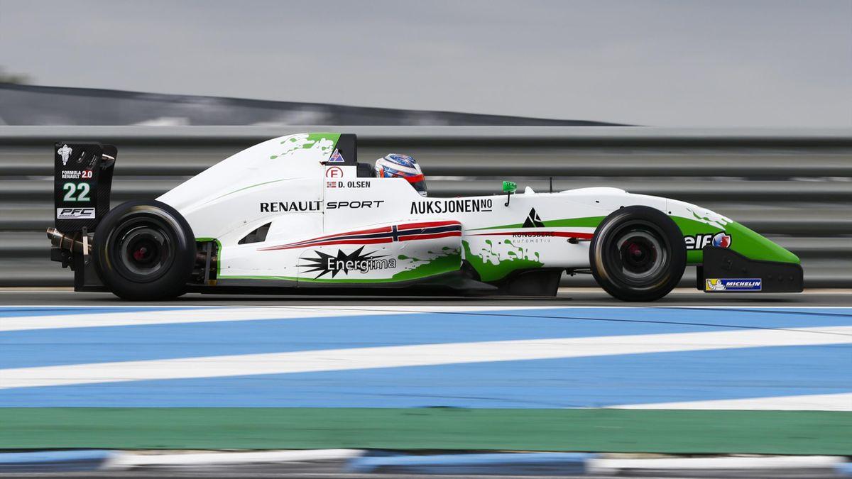 Dennis Olsen (Fórmula Renault 2.0 2015)