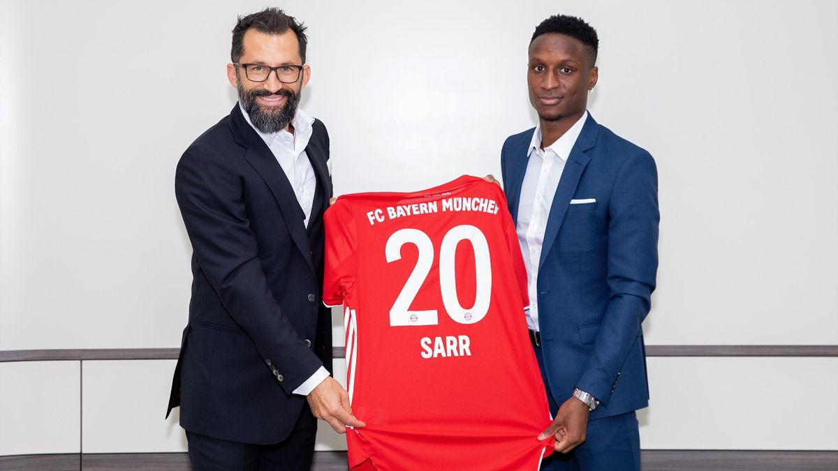 FC Bayern: Hasasn Salihamidzic und Neuzugang Bouna Sarr