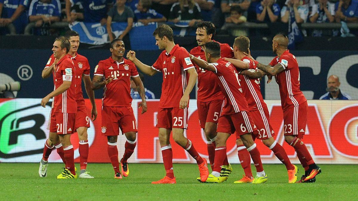 Das Team des FC Bayern gegen Schalke 04