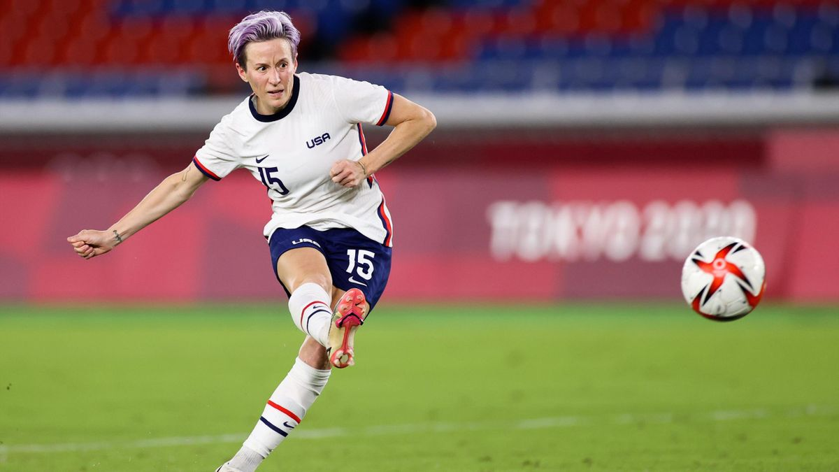 Megan Rapinoe scores winning penalty for USA v Netherlands to reach semi-final