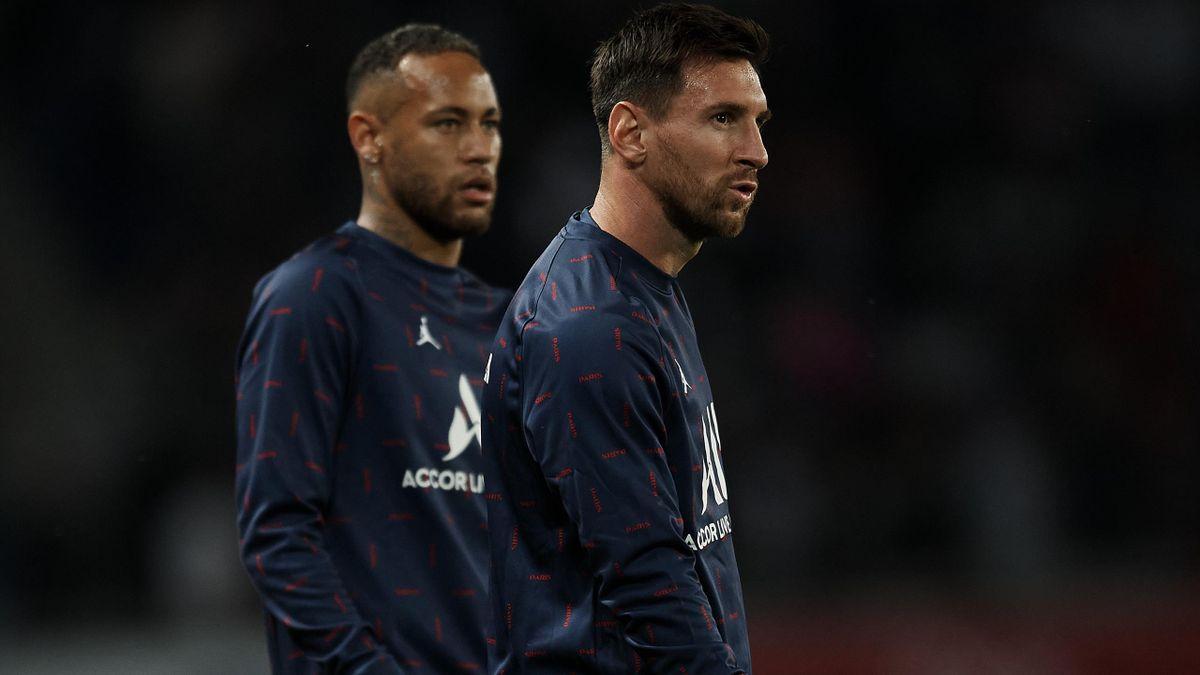Lionel Messi (r.) mit Teamkollege Neymar