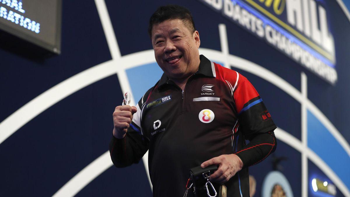 Paul Lim bejubelt seinen Auftaktsieg bei der Darts-WM