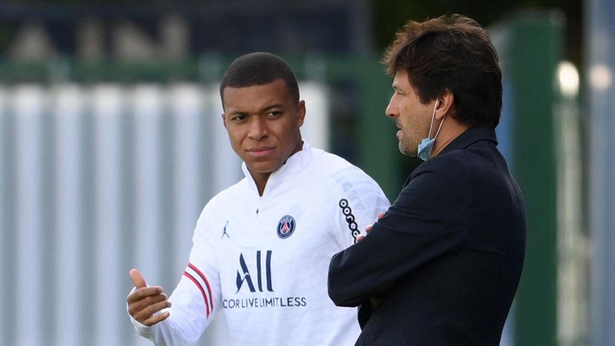 Kylian Mbappé insieme a Leonardo, direttore sportivo del PSG