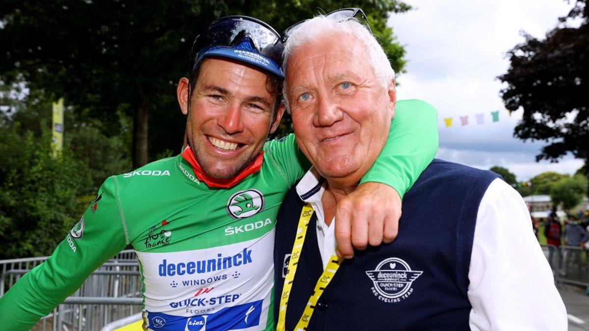 Mark Cavendish con la maglia verde insieme al general manager della Deceuninck Quick Step Patrick Lefevere - Tour de France 2021
