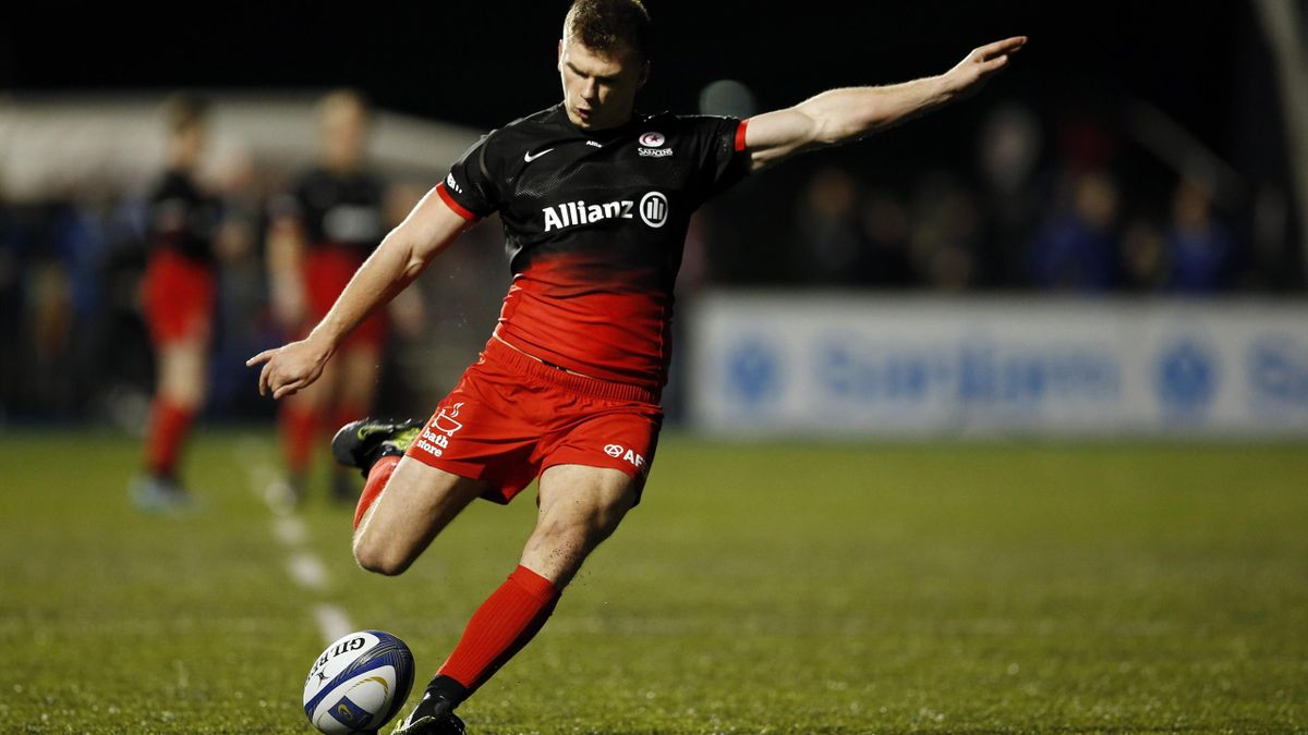 Saracens' Owen Farrell kicks a penalty