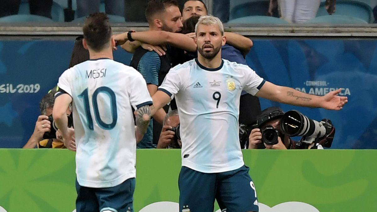 Agüero (r.) und Messi stehen im Viertelfinale.