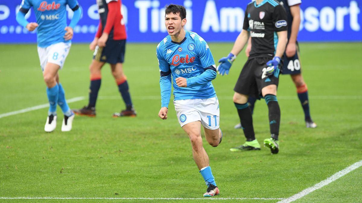 Lozano esulta per il gol contro il Cagliari