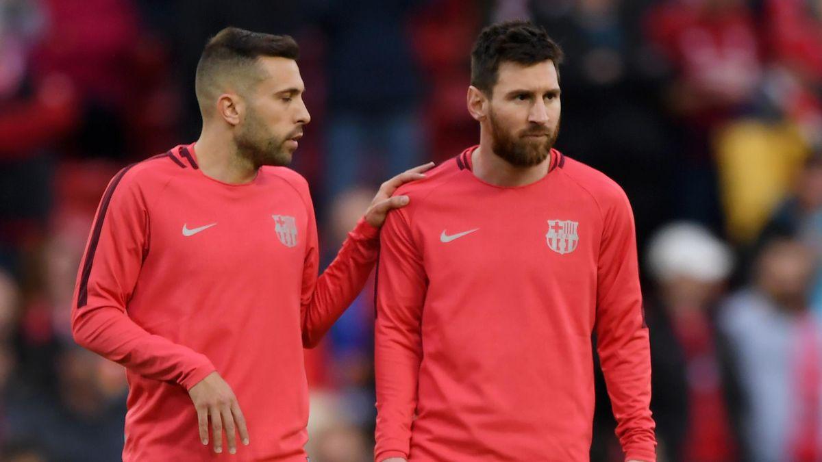 Jordi Alba (links) und Lionel Messi