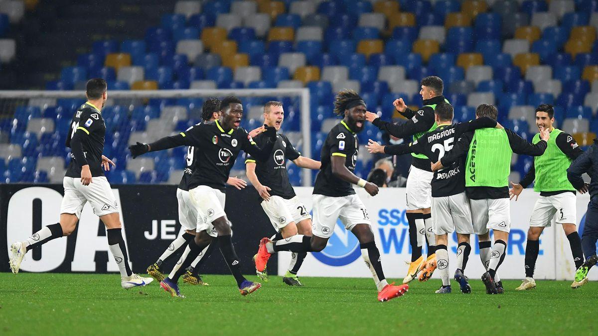 L'esultanza sfrenata dello Spezia al gol di Tommaso Pobega, Napoli-Spezia, Serie A 2020-21, Getty Images