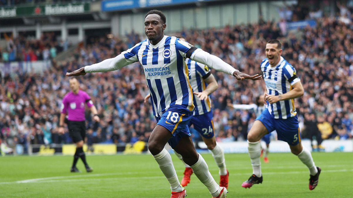 Danny Welbeck scores Brighton & Hove Albion's second goal against Leicester City