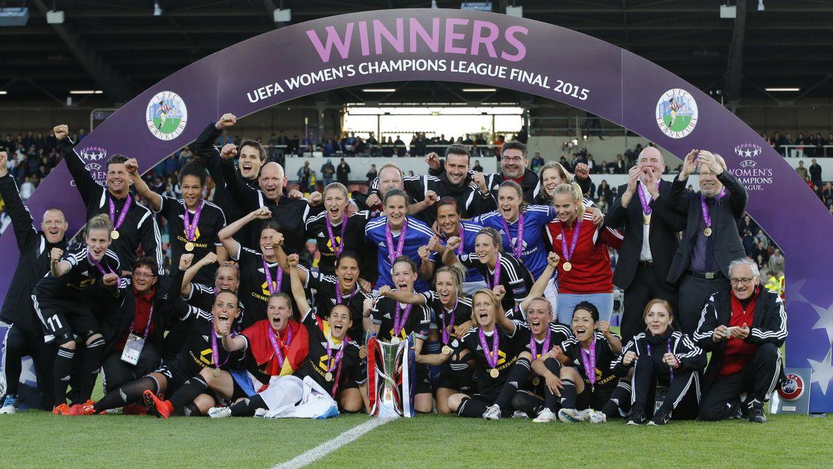 Frankfurt celebrating their 2015 Women's Champions League win