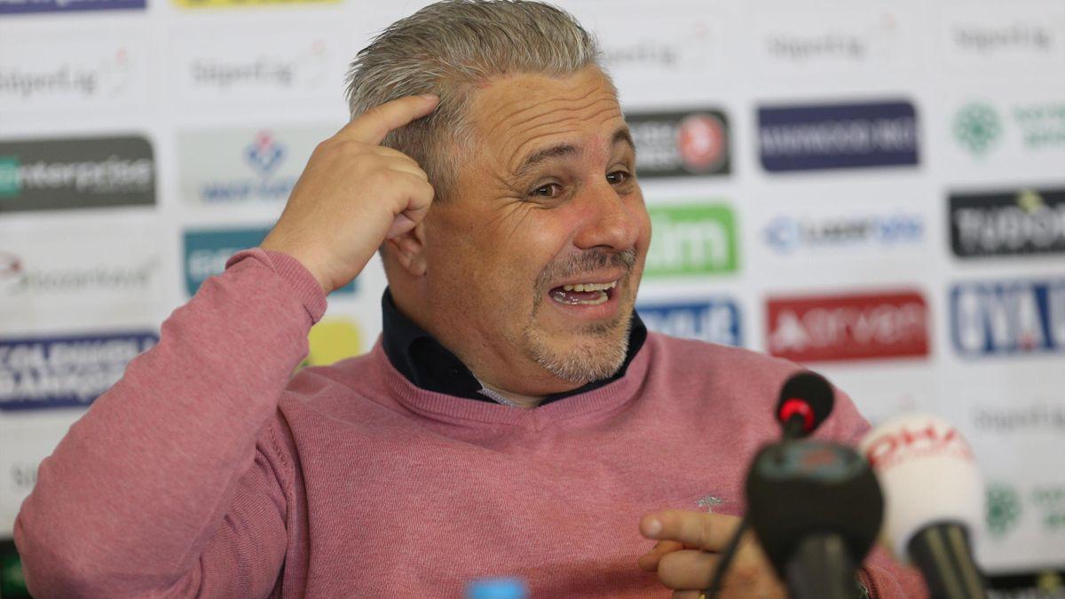 Marius Șumudică, antrenorul celor de la CFR Cluj