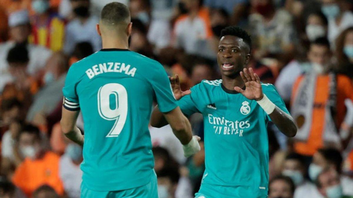 Resumen del Valencia-Real Madrid: La pareja de moda echa una mano al líder