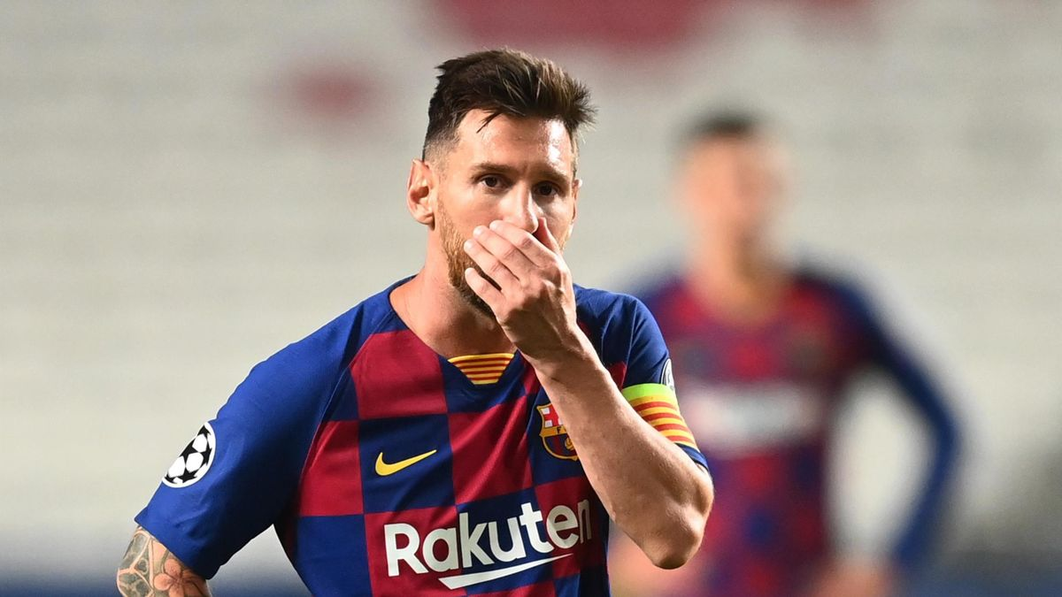 Lionel Messi of Barcelona looks dejected during the UEFA Champions League Quarter Final match between Barcelona and Bayern Munich at Estadio do Sport Lisboa e Benfica on August 14, 2020 in Lisbon, Portugal.