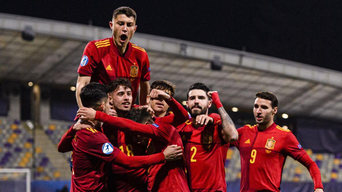 España sub21 celebra un gol ante Eslovenia