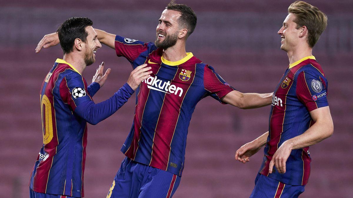 Lionel Messi, Miralem Pjanic and Frenkie De Jong