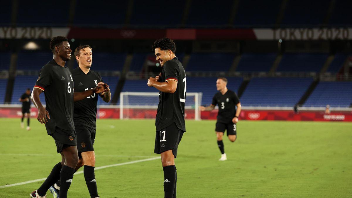 Nadiem Amiri und Ragnar Ache treffen für Deutschland in der ersten Halbzeit