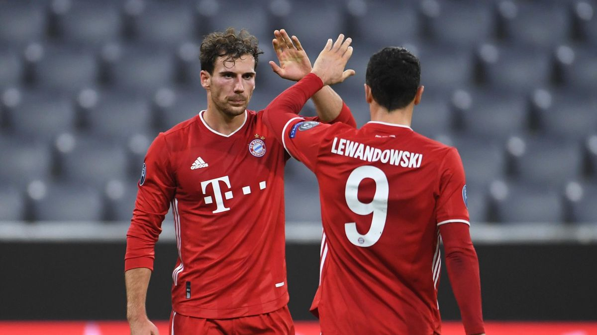 Leon Goretzka (l.) mit Robert Lewandowski - FC Bayern München