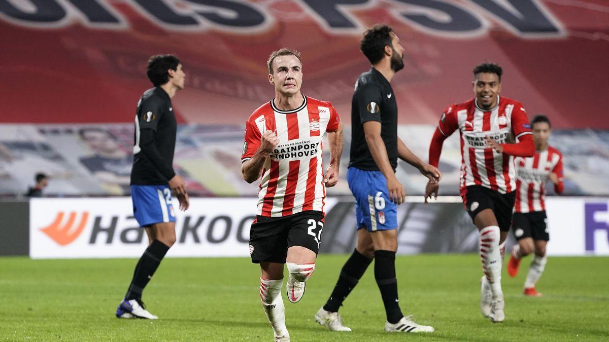 Mario Götze (2.v.l.) hat seinen Spaß am Fußball bei der PSV Eindhoven wiedergefunden