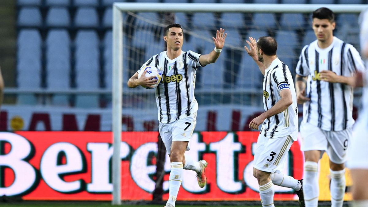 Ronaldo strikes late to salvage derby draw for Juventus