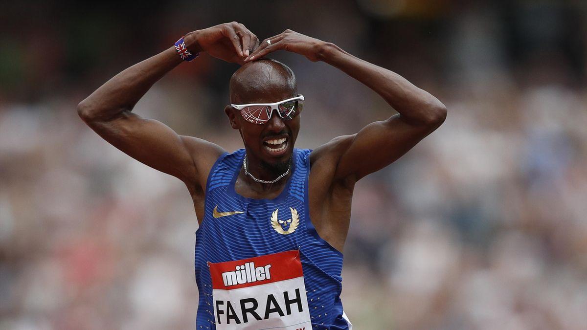 Mo Farah célèbre son succès sur le 5000m à Londres