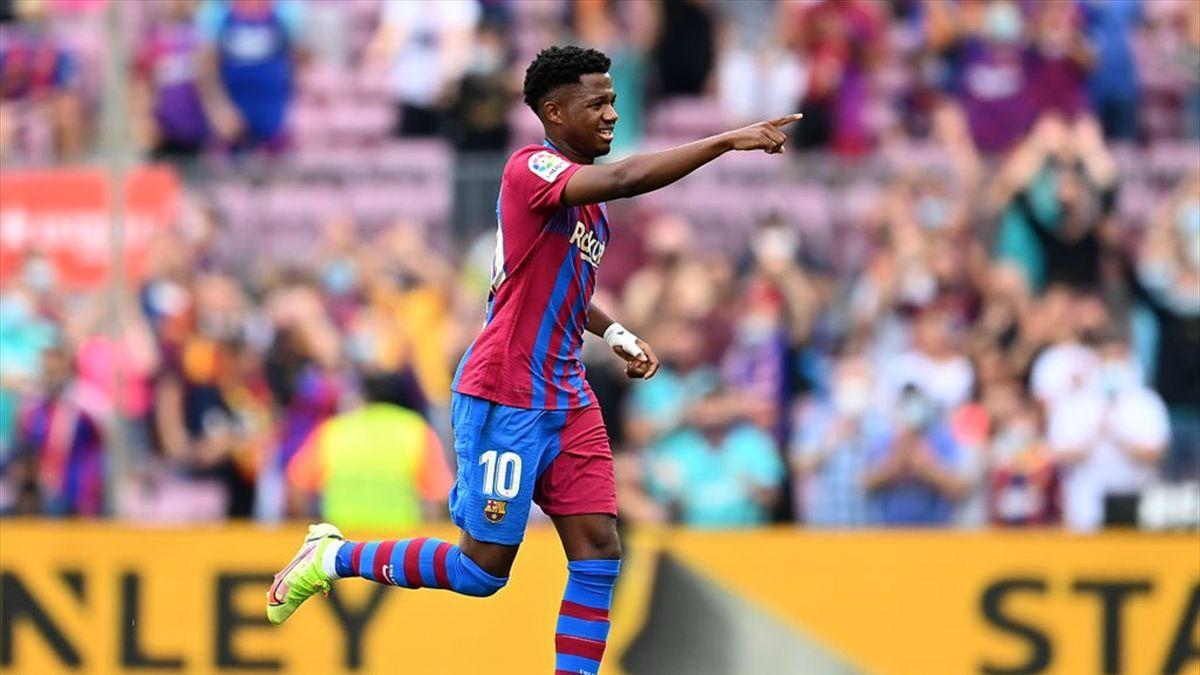 Resumen del Barcelona-Levante: Ansu ya luce la corona de Messi