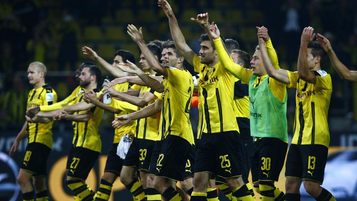 Borussia Dortmund go joint top of the Bundesliga