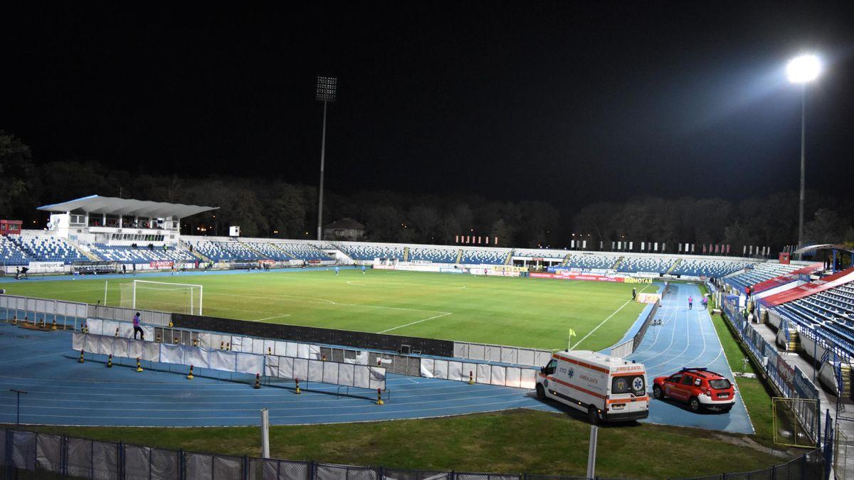 """Nocturna stadionului din """"Copou"""" a cedat în timpul meciului Poli Iași - Viitorul Constanța"""