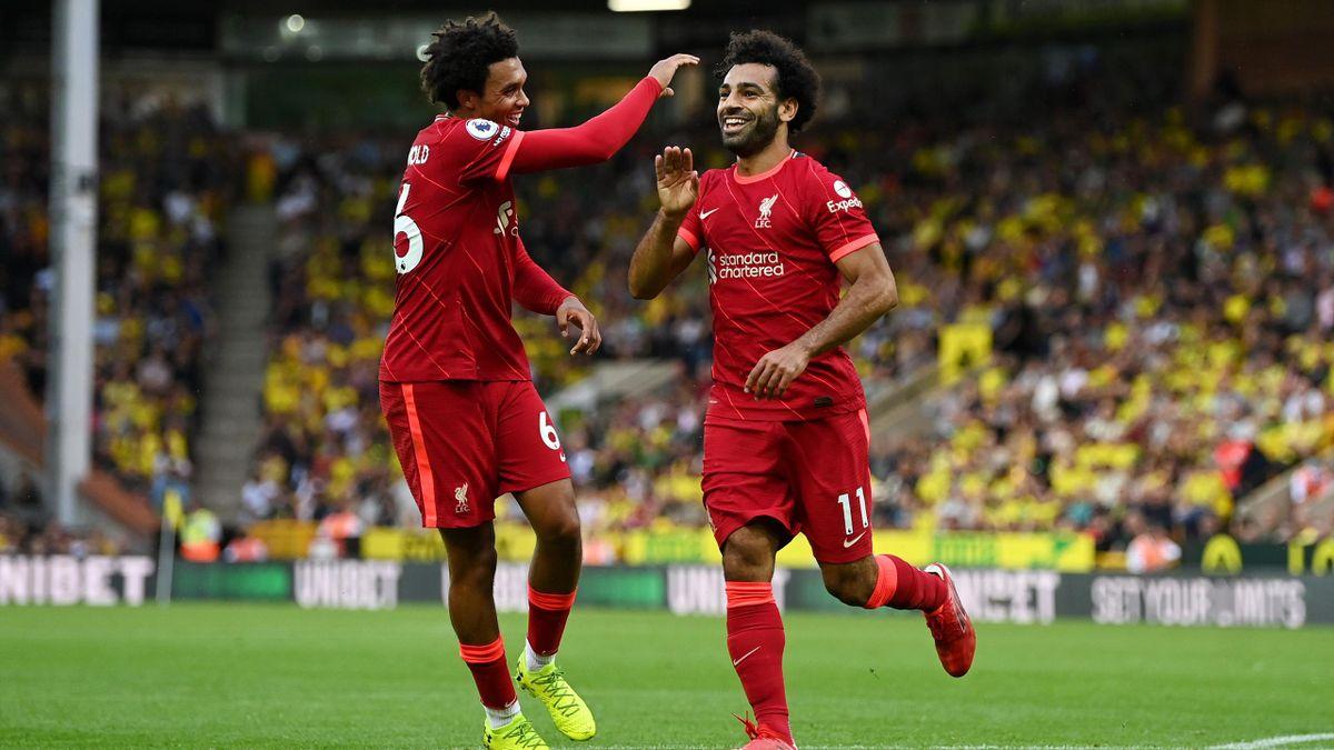 Trent Alexander-Arnold (left) and Mohamed Salah - FC Liverpool