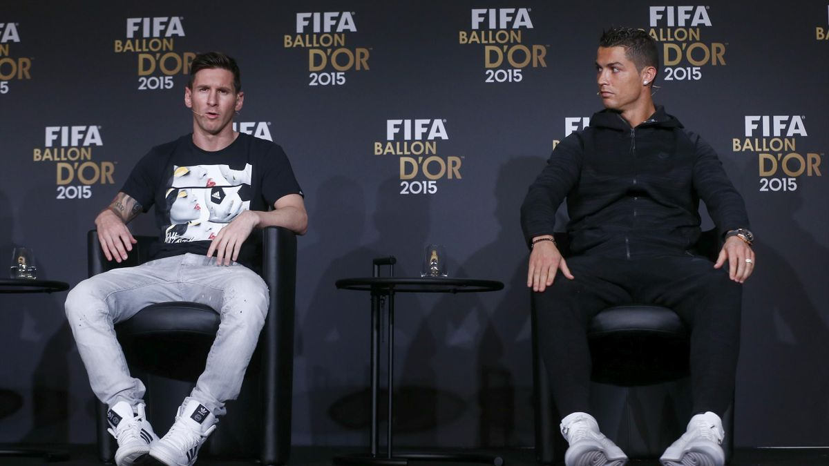 Barcelona's Lionel Messi of Argentina and Real Madrid's Cristiano Ronaldo of Portugal (R) attend a news conference prior to the Ballon d'Or 2015 awards ceremony in Zurich, Switzerland, January 11, 2016