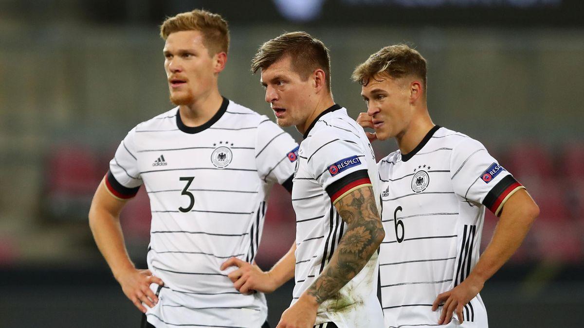 Marcel Halstenberg, Toni Kroos und Joshua Kimmich (von links) - Deutschland