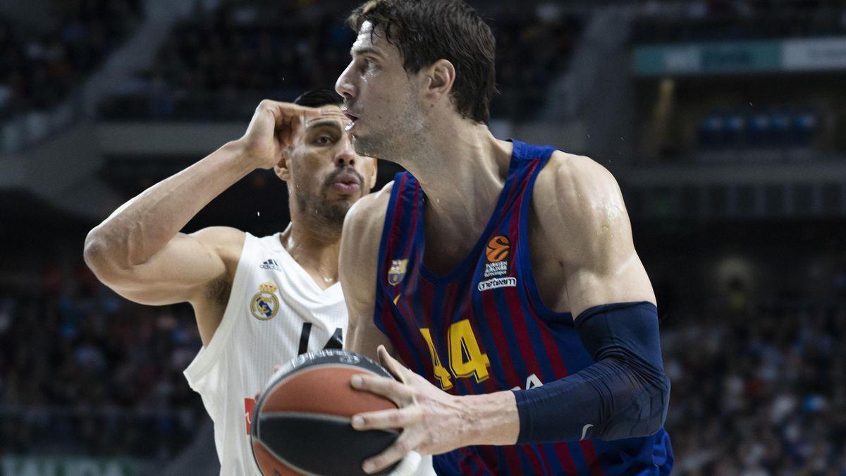 Ayón y Tomic, Barcelona-Real Madrid
