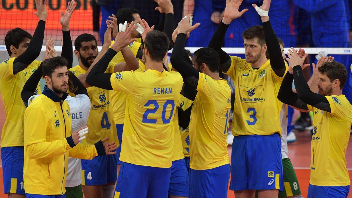 Les Brésiliens après leur succès contre la Russie en Ligue mondiale, le 6 juillet 2017.