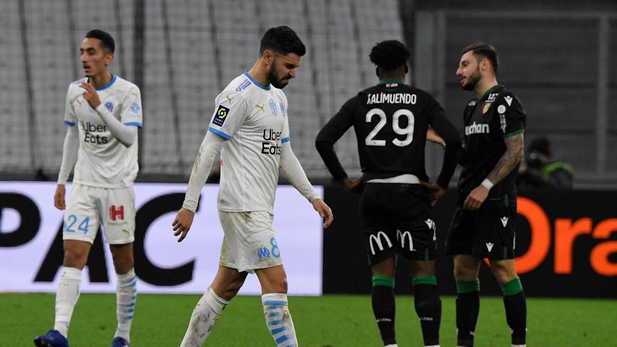 Morgan Sanson la tête bien basse lors du revers de l'OM contre Lens en Ligue 1 (0-1) le 20 janvier 2021