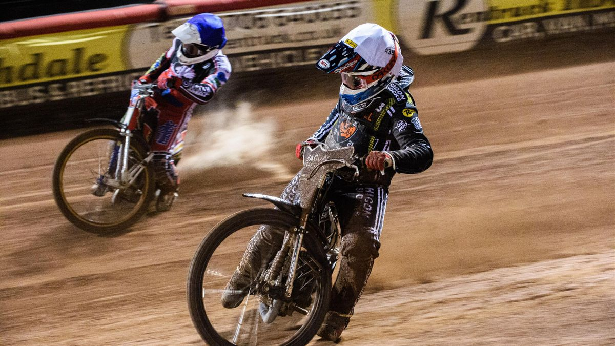 Sam Hagon (White) inside Paul Bowen (Blue) during the National Development League match between Belle Vue Aces and Mildenhall Fens Tigers