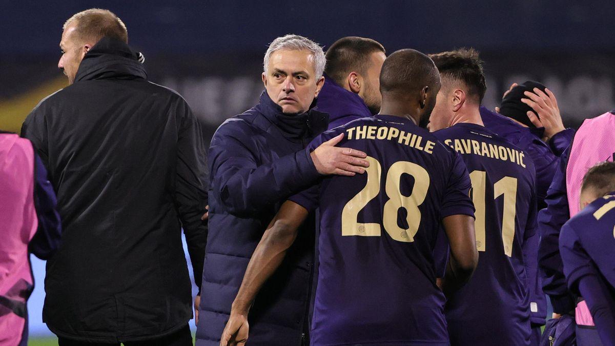 José Mourinho (Tottenham) y Kévin Théophile-Catherine (Dinamo Zagreb)