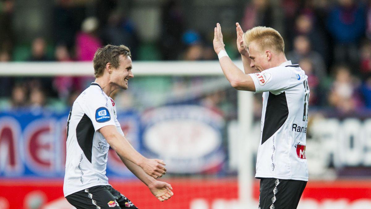 Sogndals Ole Amund Sveen (t.v) og målscorer Martin Ramsland