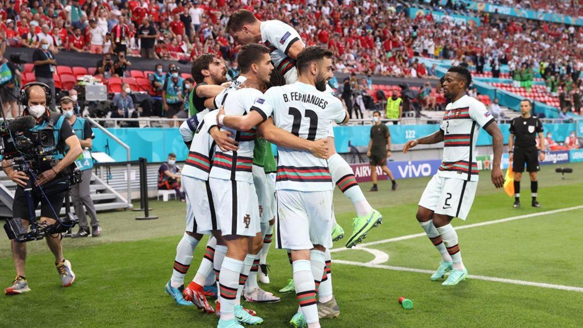 I giocatori del Portogallo esultano per il gol di Cristiano Ronaldo - Europei 2021