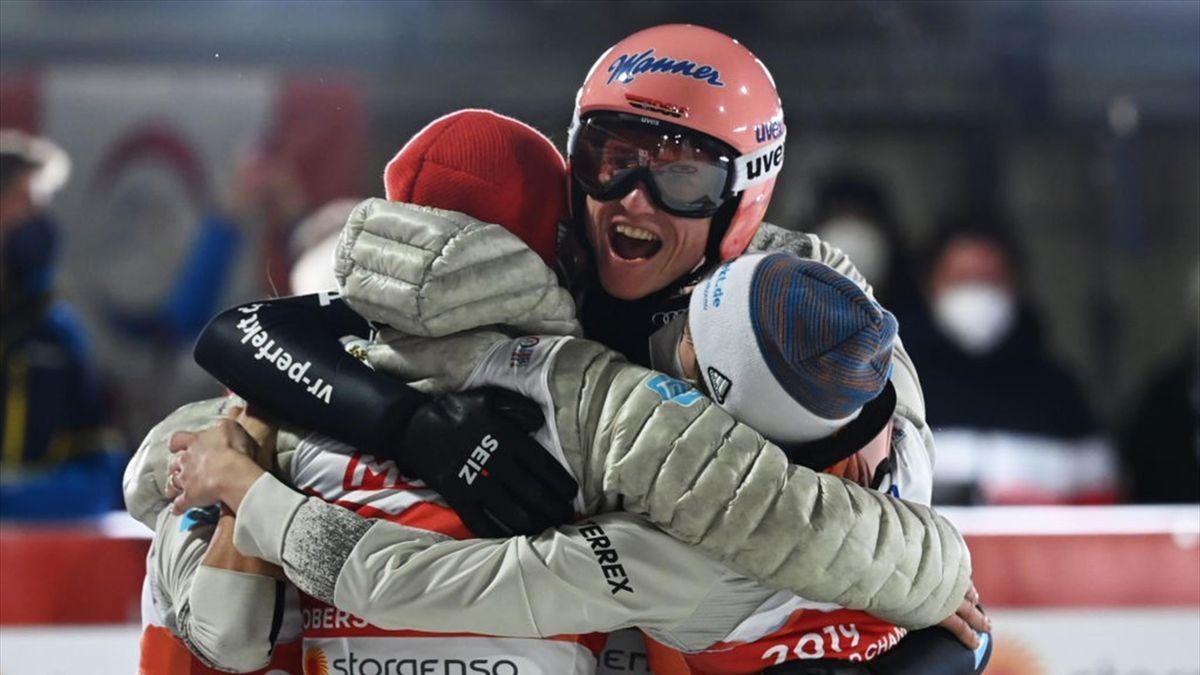 Deutsches Skisprung-Mixed-Team holt Gold