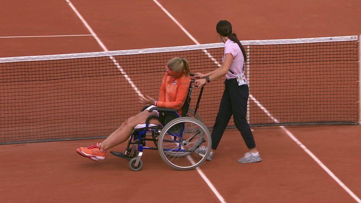 Roland Garros Day 4 Bertens wheelchair