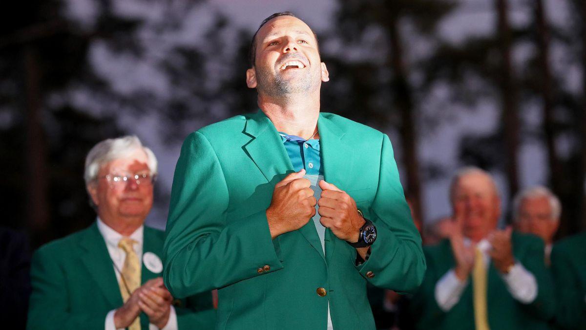 Sergio Garcia tient sa veste verte après son succès au Masters
