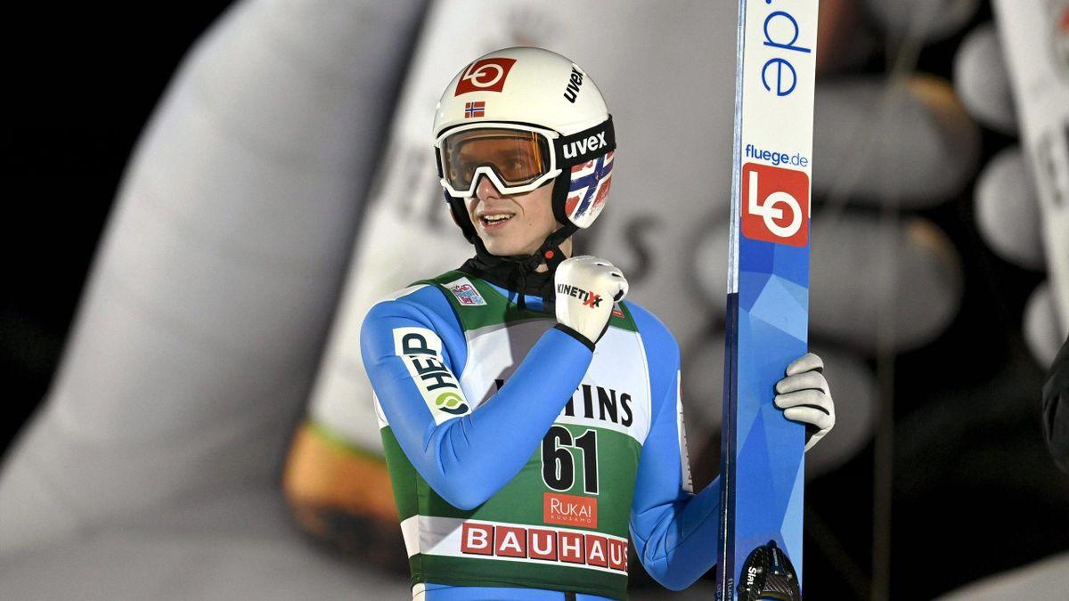 Halvor Egner Granerud a câștigat etapa a 3-a din Cupa Mondială de sărituri cu schiurile