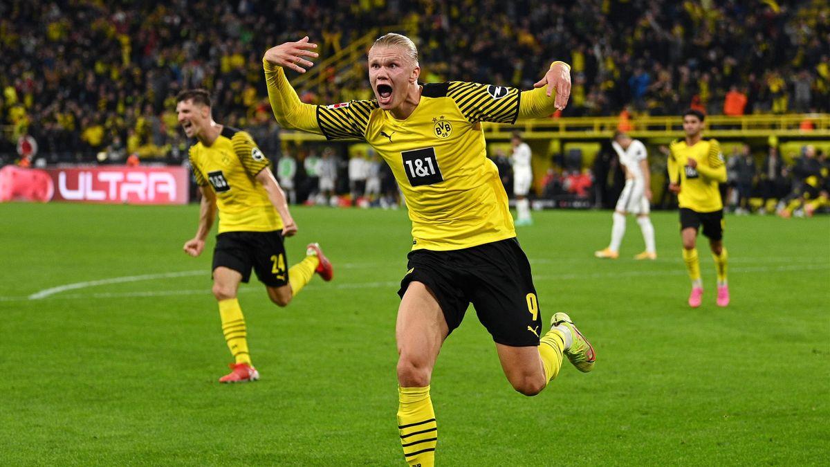 Erling Haaland of Borussia Dortmund celebrates his goal against TSG 1899 Hoffenheim, Bundesliga, Signal Iduna, Dortmund, Germany, Park on August 27, 2021