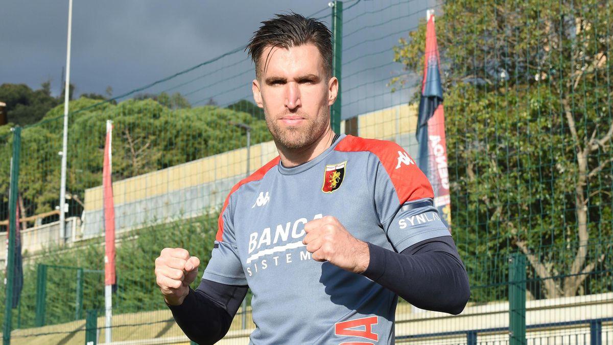 Gennaio 2021: Kevin Strootman con la maglia del Genoa