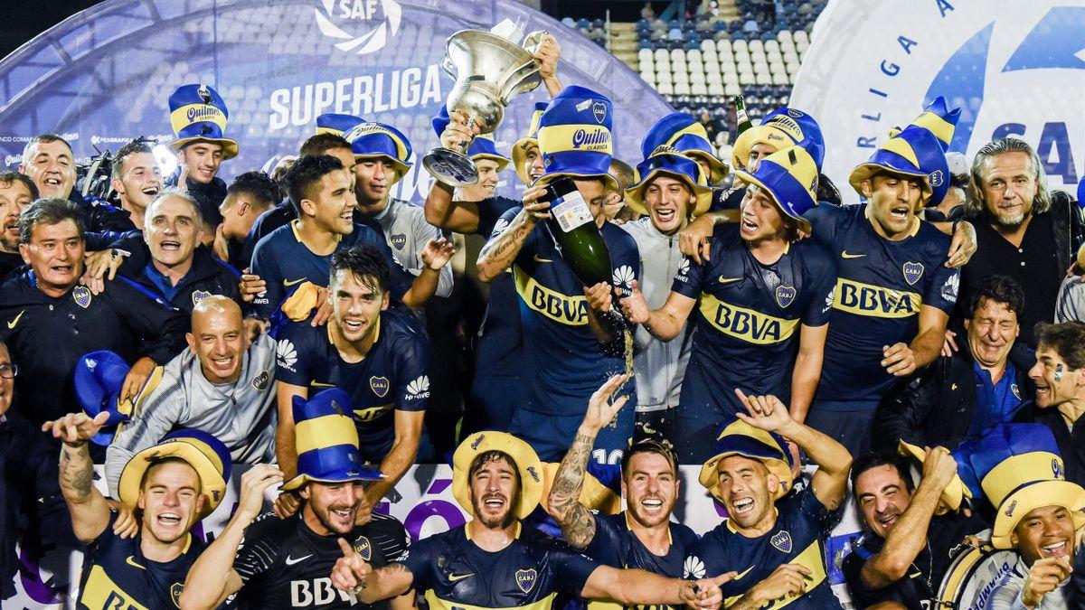 Boca Juniors şampiyonluk kupası