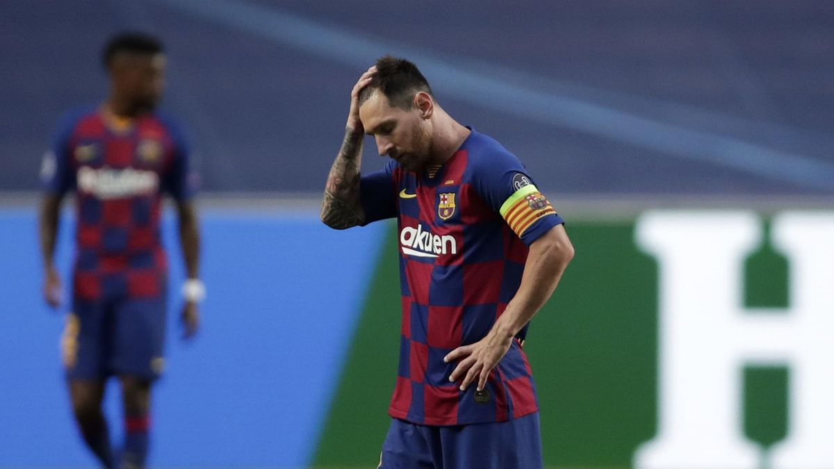 Lionel Messi of FC Barcelona looks dejected after his team concede during the UEFA Champions League Quarter Final match between Barcelona and Bayern Munich at Estadio do Sport Lisboa e Benfica on August 14, 2020 in Lisbon, Portugal.