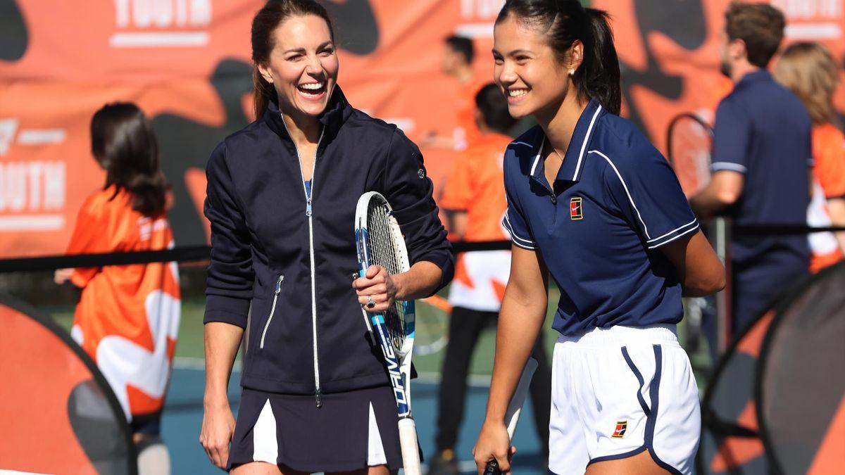Emma Răducanu și Kate Middleton, făcând echipă într-un meci demonstrativ