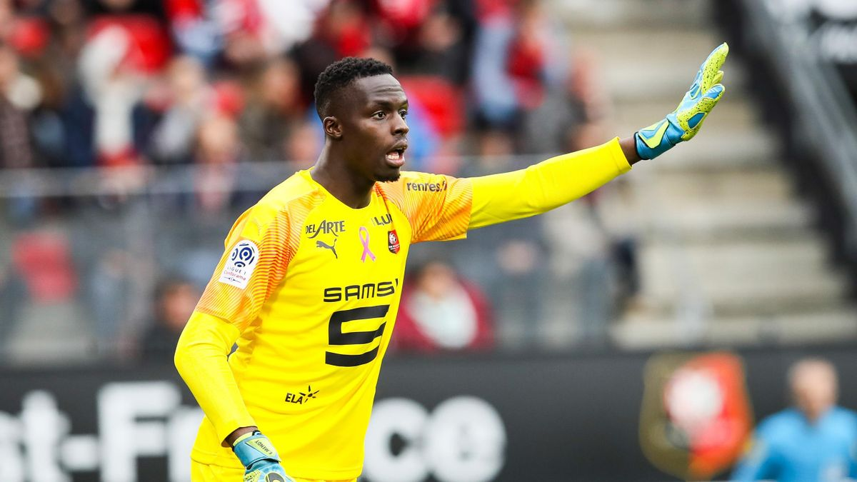 Edouard Mendy of Rennes during the Ligue 1 match between Rennes and Toulouse at Roazhon Park on October 27, 2019